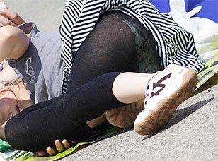 【勃起確定】ストッキング越しのパンチラ画像集wwwww
