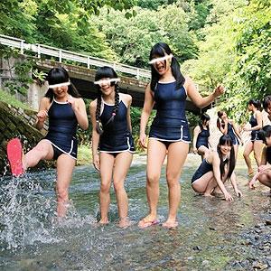 林間学校で新型スク水姿のJCたちと愉しい輪姦学校